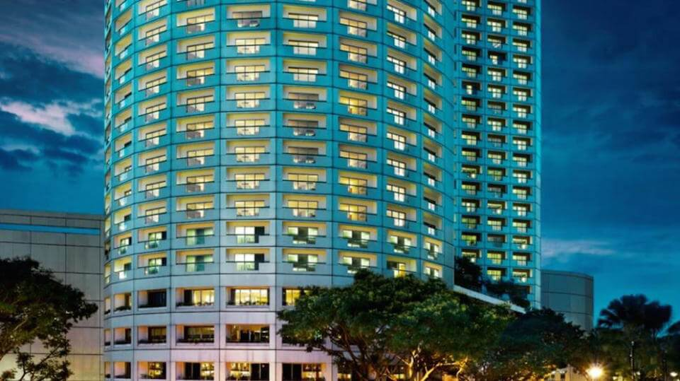 Walk in interview jobs fairmont singapore and swissotel for Spa uniform singapore