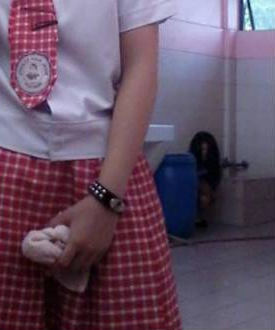 Filipino High School Students Capture Image of a Ghost