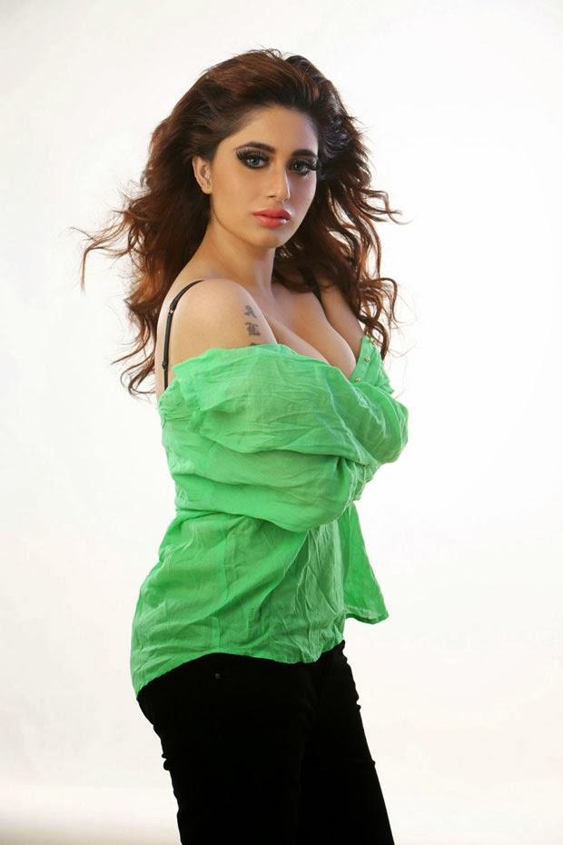 Concubine Heaven: Alisa Khan Hot Photos|Actress Alisha