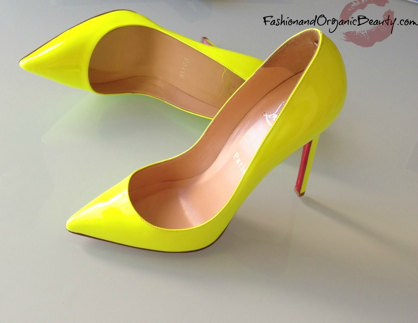 red christian louboutin shoes
