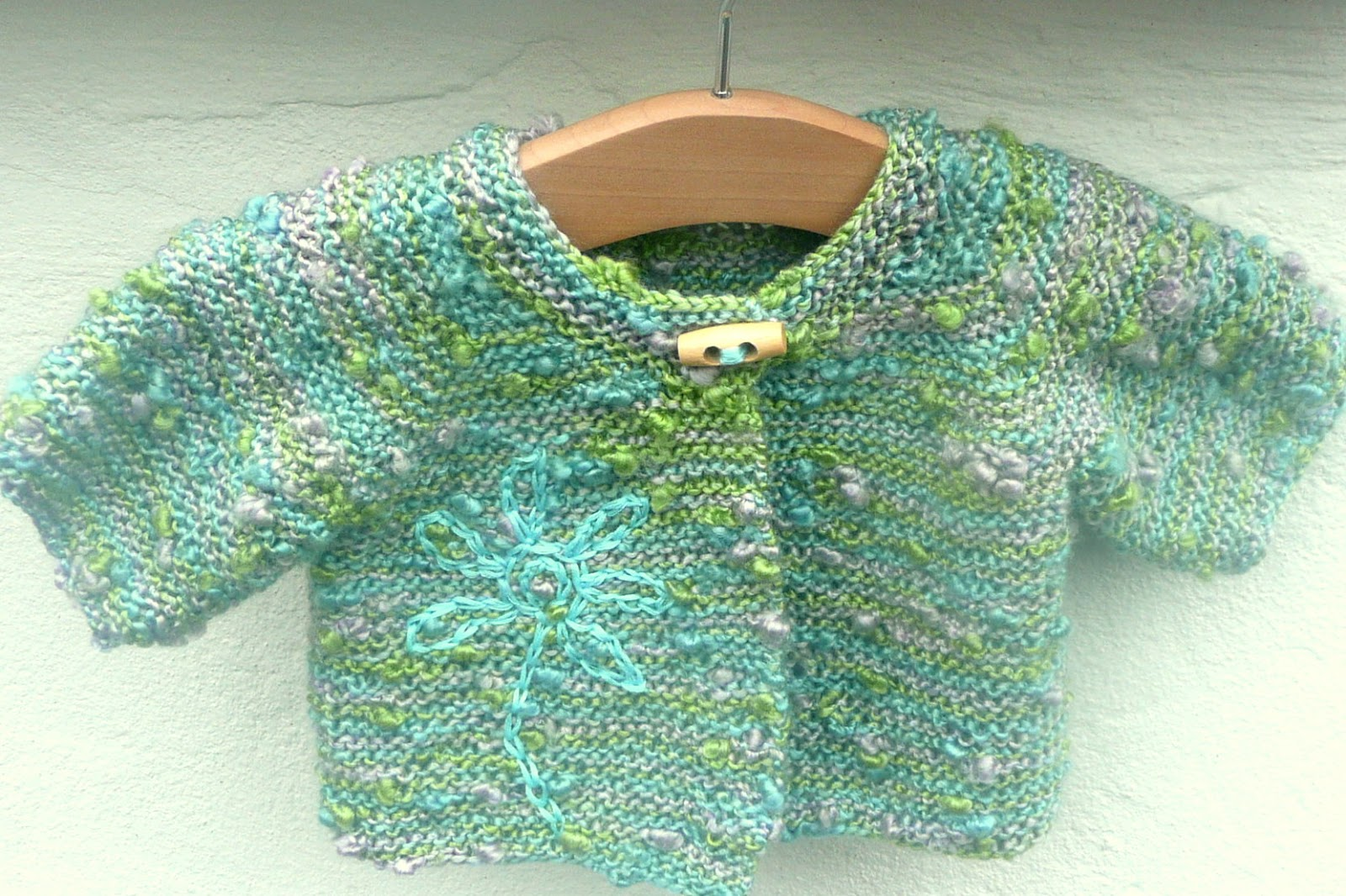 Knitting Pattern Baby Jacket : Ceradka Crafts: Simple Seamless Baby Jacket - a free knitting pattern