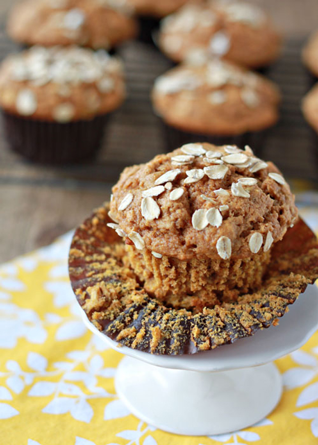 Wholewheat Pumpkin Oat Muffins #pumpkin #oats #oatmeal #Fall #Autumn