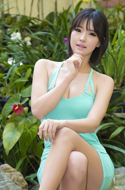 Choi Byeol Ha Sexy in Green Mini Dress