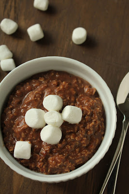 hot cocoa oatmeal with marshmallows