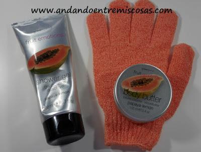 Set de gel de ducha con guante y manteca corporal de Papaya y Limón Greenland