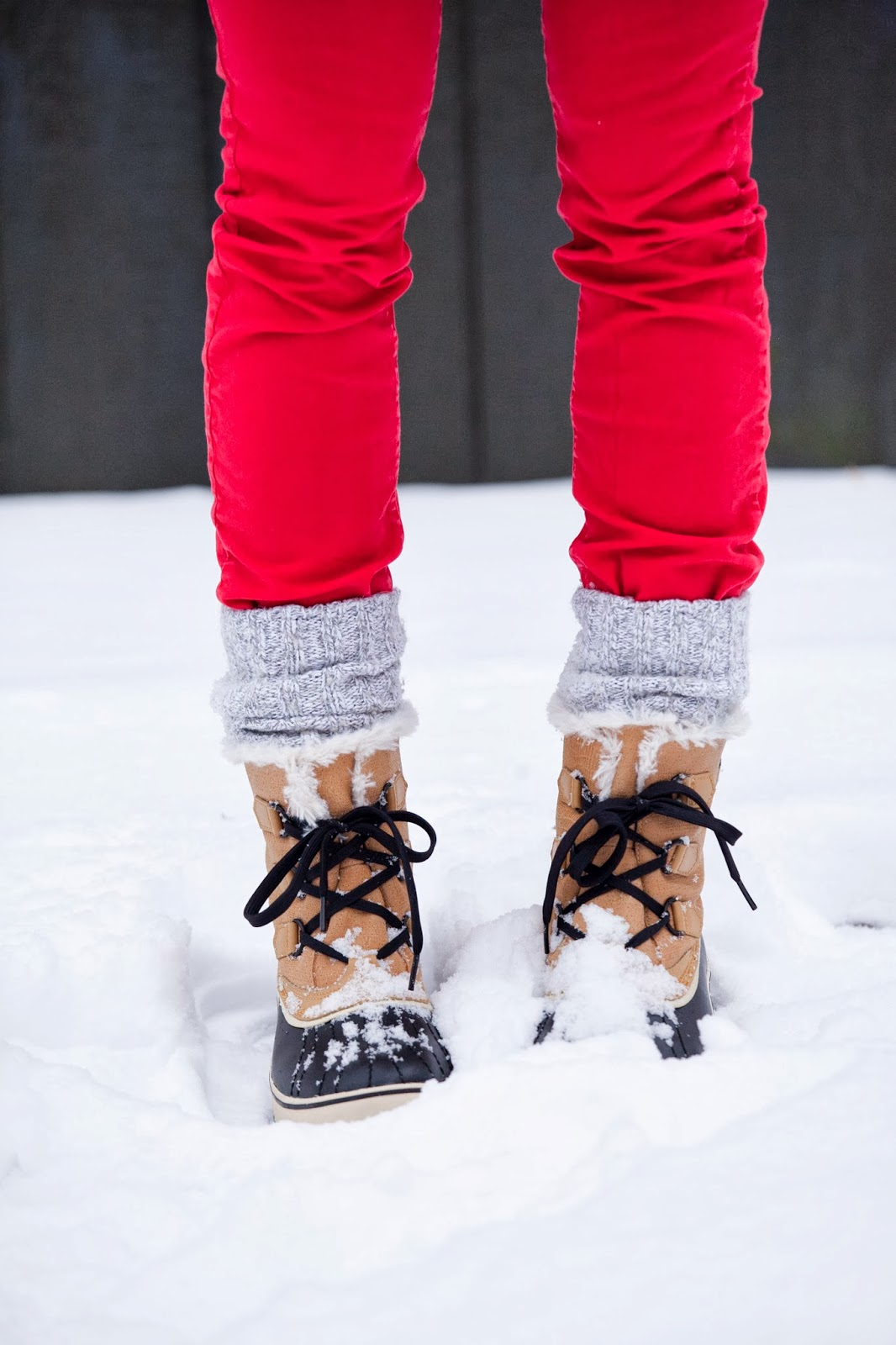 sorels-wool-socks-red-skinny-jeans