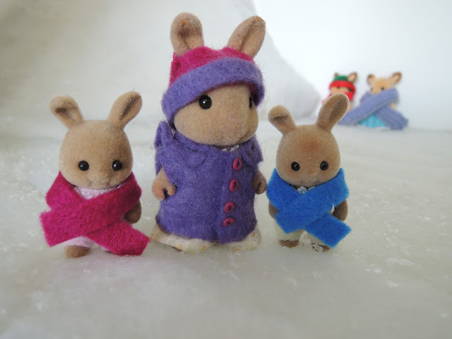 Sylvanian Families Dappledawn Fawn Rabbits coats snow winter christmas