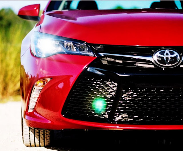 2016 Toyota Camry XSE Canada Features and Specs Performance