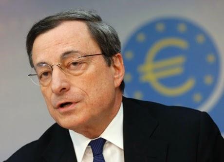 El BCE baja los tipos de interés al mínimo histórico (0,15%) e inyecta 400.000 millones para impulsar el crédito.