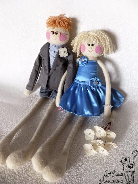 Куклы длинноножки по фото. Паша и Алена. Присели отдохнуть