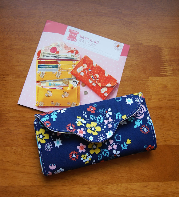 straight stitch society have it all wallet in Tsuru -- Fabric Mutt