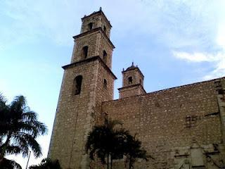 Vista lateral Iglesia Tercera Orden Yucatan Mexico