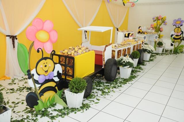 Linda Festa Da Beatriz De Uberaba -MG, De 1 Aninho Foi Comemorada Em~ Enfeites Para Jardim Uberlandia
