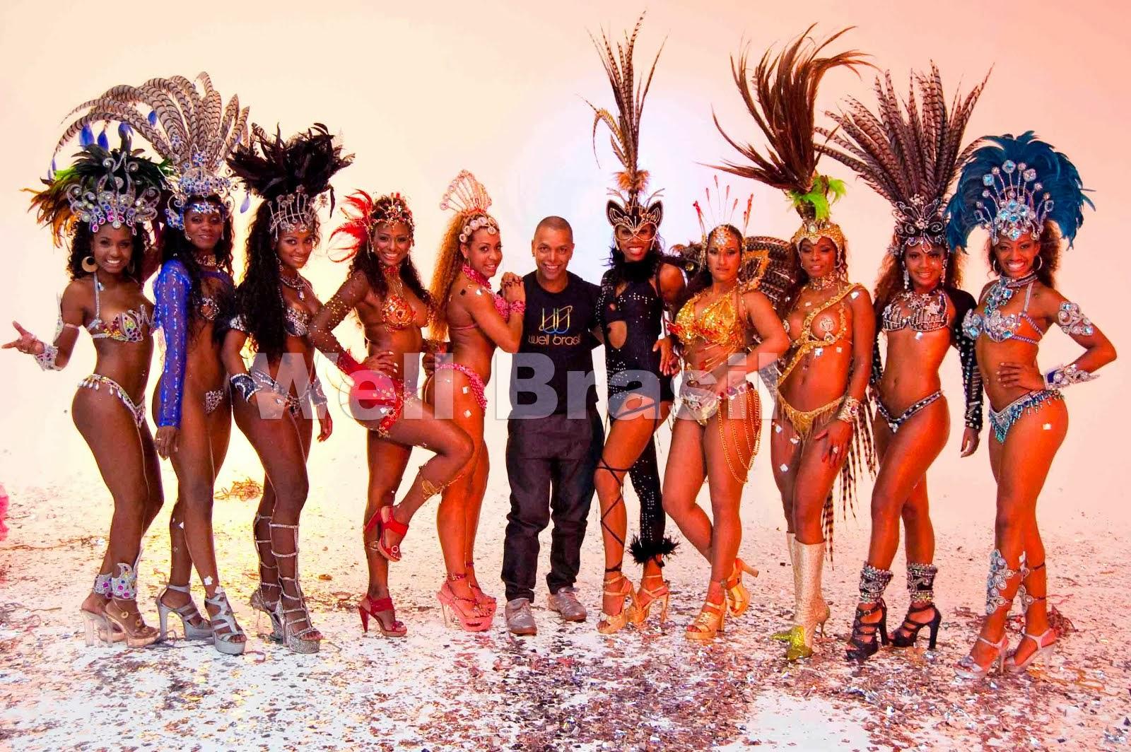 Show de Escola de Samba Well Brasil com mulatas do carnaval.