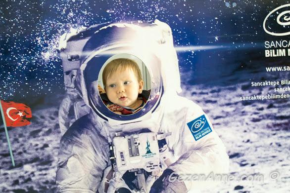 minik oğlum Sancaktepe Bilim Merkezi'nde astronot olmuşken, İstanbul