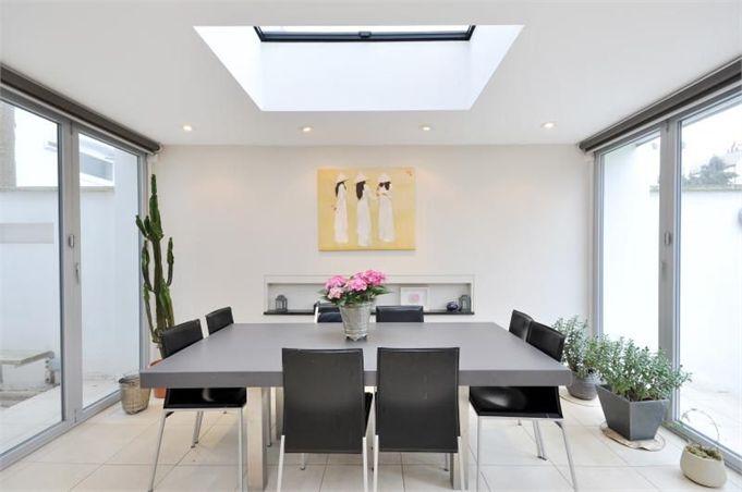 Casas minimalistas y modernas comedores de uso diario for Comedores minimalistas