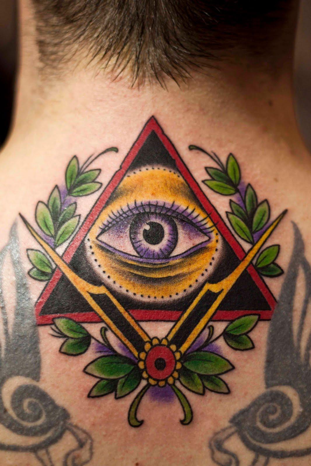 http://4.bp.blogspot.com/-Gs-RndvkwGI/Ta5nu6vgg6I/AAAAAAAAAVQ/ceA36BJN3YQ/s1600/illuminati.jpg