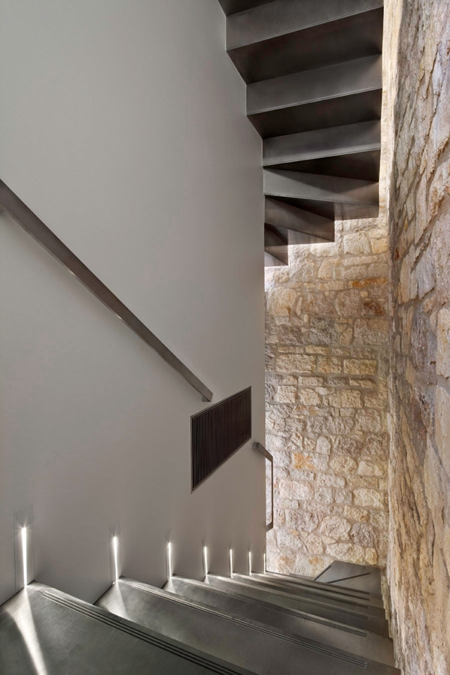 MOdern stairs in the Amazing Contemporary Style Home In Croatia