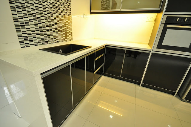 Kitchen Cabinets For Dry 3g Black In Color With Quartz Table Top Made The So Elegance Yet Can Hide Dirts