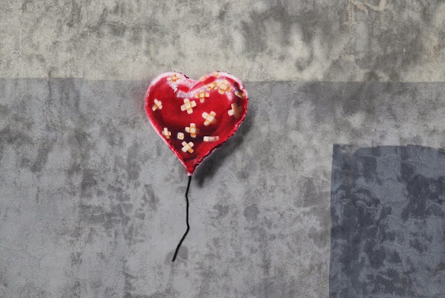 """Heart Balloon"" New Street Art By Banksy In Brooklyn, USA For Better Out Than In."
