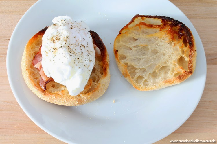 Eggs Benedict mit Speck und Ei