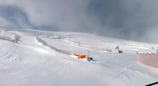 Estacion de esqui en la mañana del jueves 24-01-2012