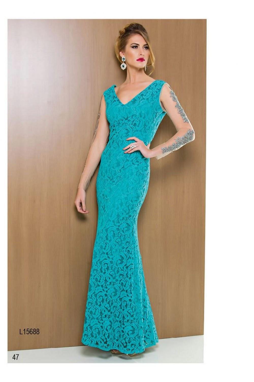 modelo de vestido longo azul com tule nas mangas - dicas e fotos
