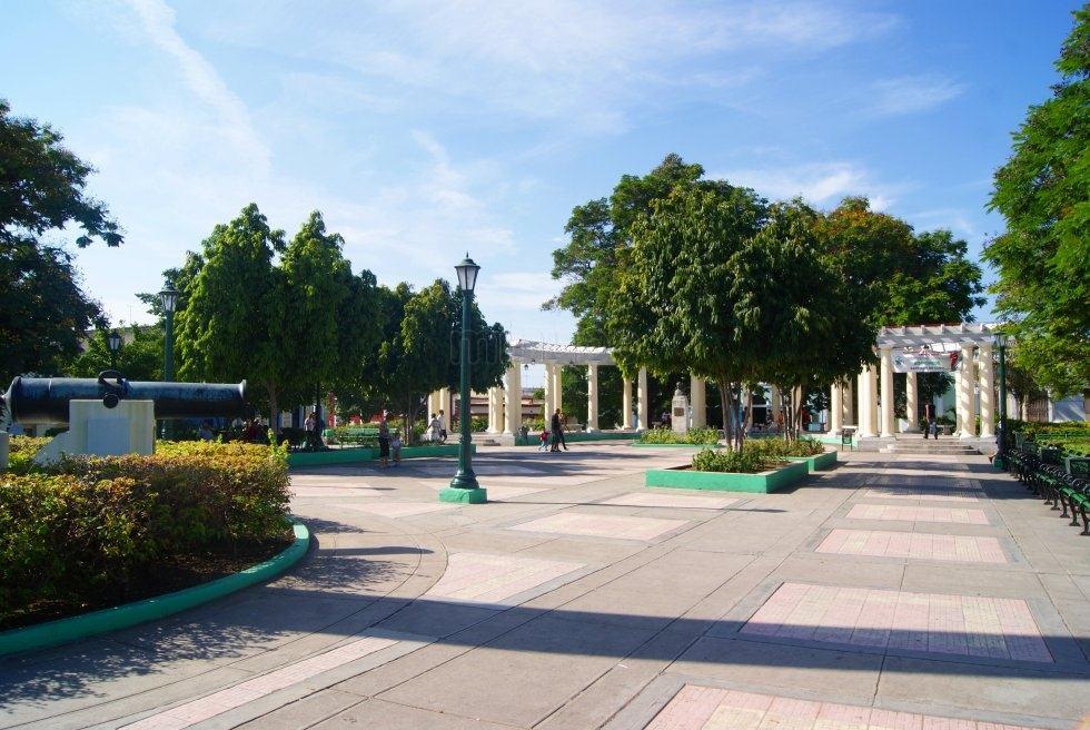 Reaniman unidades del entorno de hist rica plaza de marte for Ciudad santiago villas