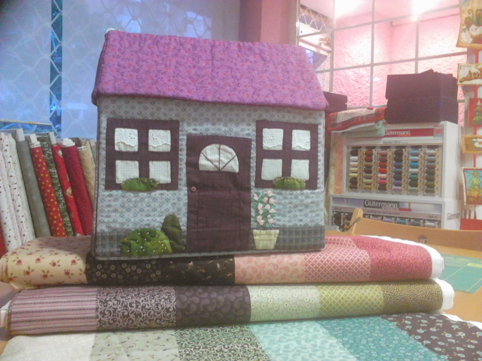 Fraupatchwork y sus ositos casa patchwork caja para - Casas de patchwork ...