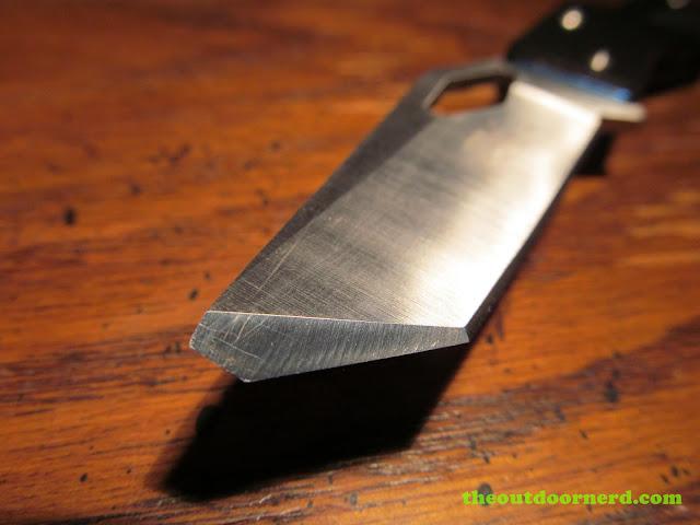 Sanrenmu B787 Pocket Knife - closeup of chiseled blade tip