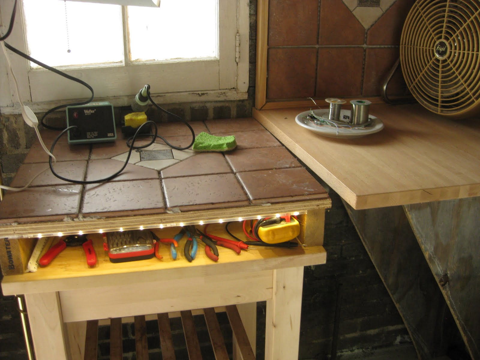 Cocoquantus Dont Miss Other Custom Furniture And Circuit Art Projects Some Led Strip Lighting Specifically For A Mans Special Nook Near His Lap It Is Illuminating My Gears Pliers Probes Screw Drivers