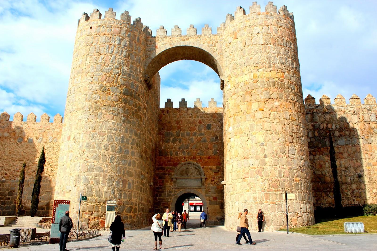 Puertas de la muralla de Ávila