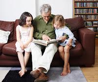 niñas leyendo