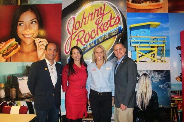 cadena-hamburguesas-Johnny-Rockets-abre-segundo-restaurante-Bogotá