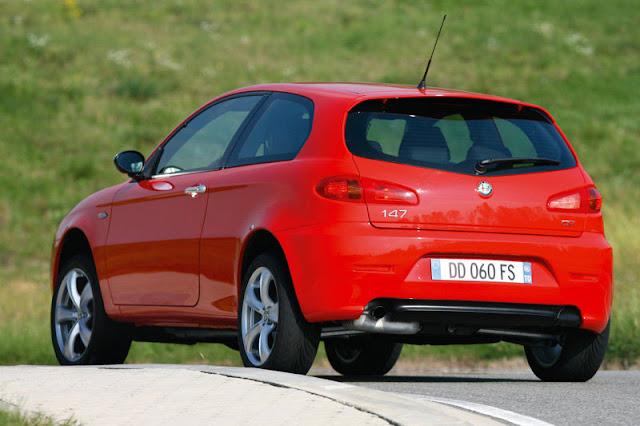 2009-Alfa-Romeo-147-Exterior-back