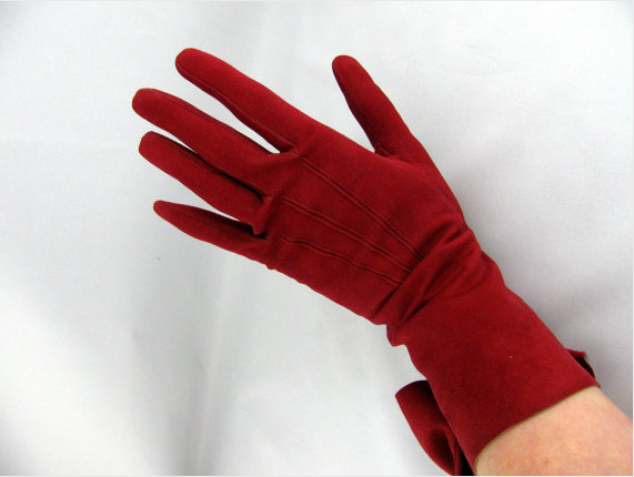 1950s Red Leather Gloves #1950s #red #gloves