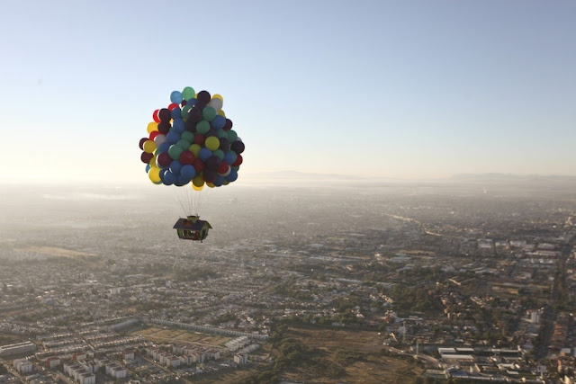 """Up"" In Real Life, disney pixar, up, movie, in real life, actual, the real up, human, international ballon festival, leon, mexico, mouse, on mountain, house, home, in balloon, belon, wujud"