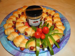 Mini Hot Dog Christmas Wreath Recipe