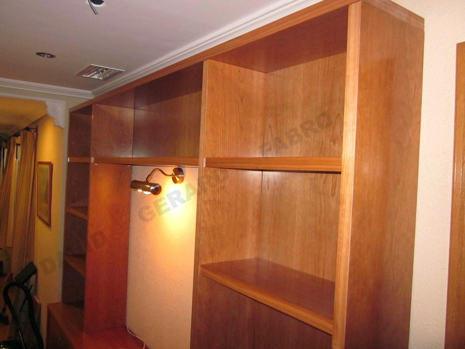 Mueble con madera de cerezo lacado