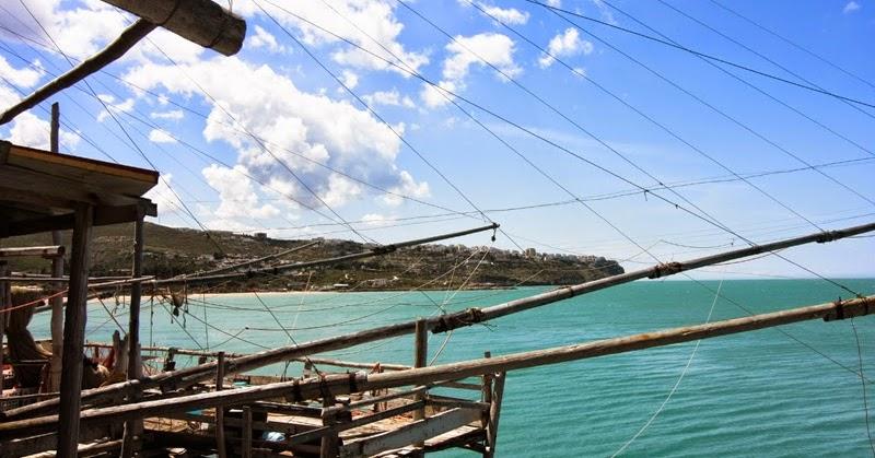 I trabucchi del gargano un itinerario lungo la costa per for Kit per palafitte