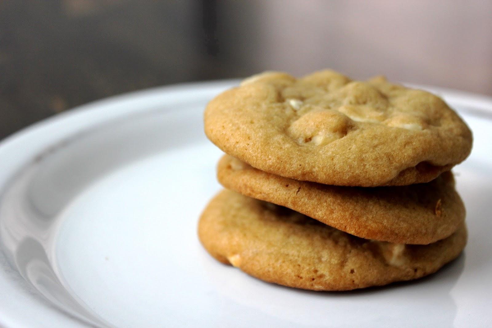 White chocolate macadamia nut cookies fresh from the for White chocolate macadamia nut cookies recipe paula deen