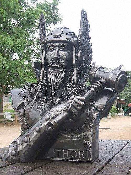 07-Fantasy-Sculpture-Norse-North-Gods-Thor-Giganten-Aus-Stahl