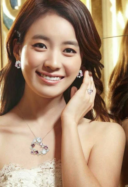 Han Hyo Joo photo