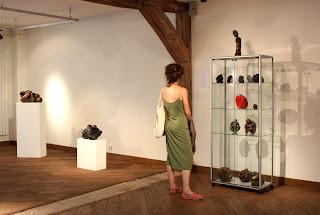 Exposition Espace-Galerie des femmes : grande vitrine