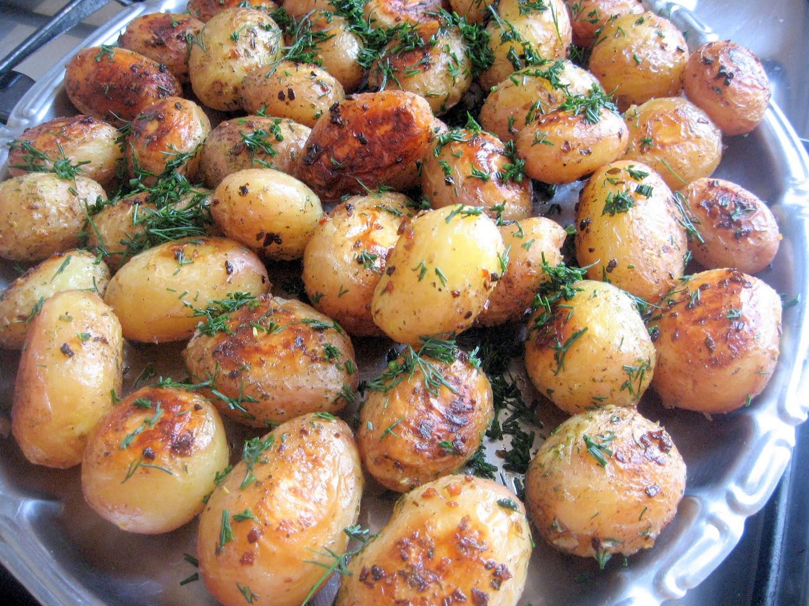 Cartofi Noi Cu Marar Si Pasta De Usturoi