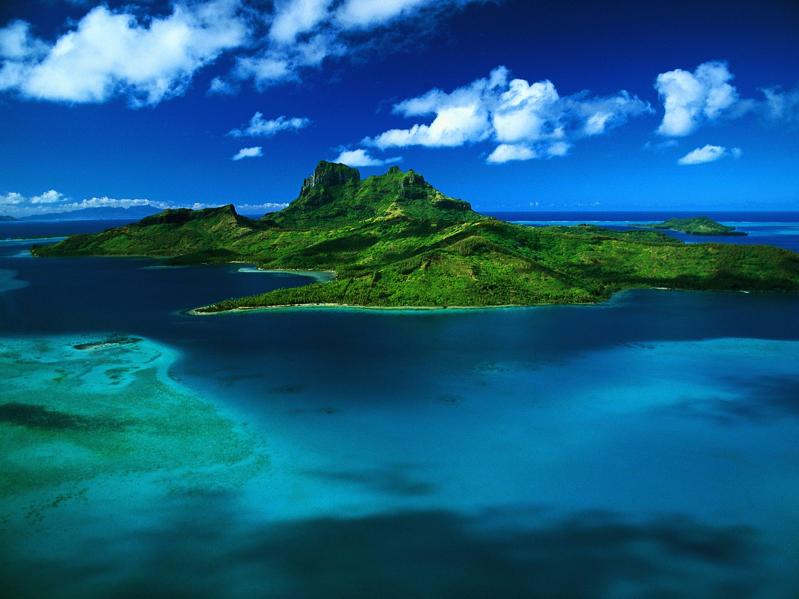 http://4.bp.blogspot.com/-Gvbdy6JxpvI/Tm7EKr_UGmI/AAAAAAAAAYs/Dv_UYknnXTw/s1600/aerial-view-of-bora-bora-french-polynesia-window-xp-wallpaper.jpg