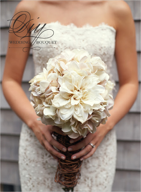 diy wedding bouqet DIY Inspiration: Hydrangea and Mum Bouquet