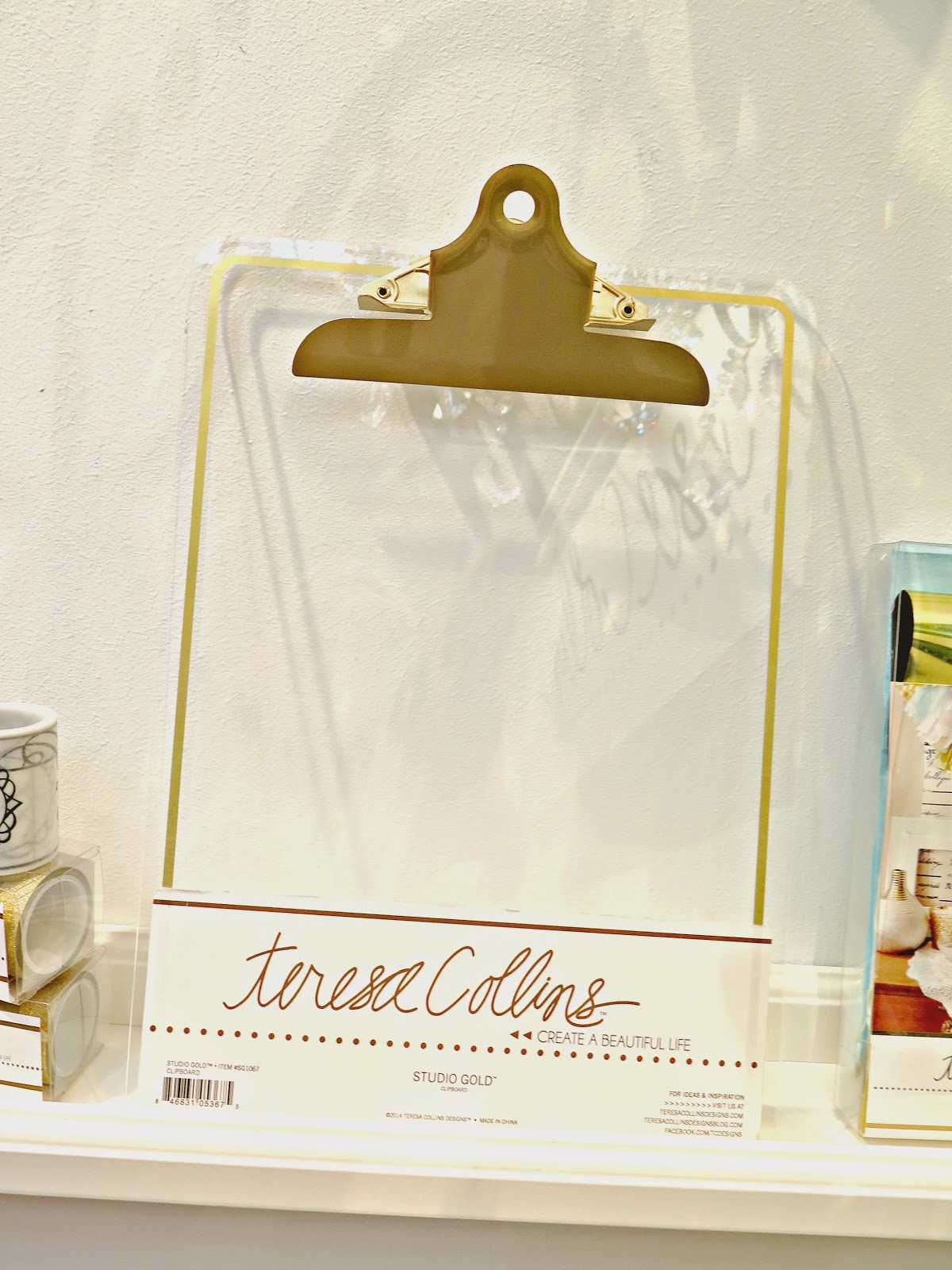 7c7d9056d47cc8 This is my CLEAR acrylic clipboard with gold foil outline and gold handle.  YES
