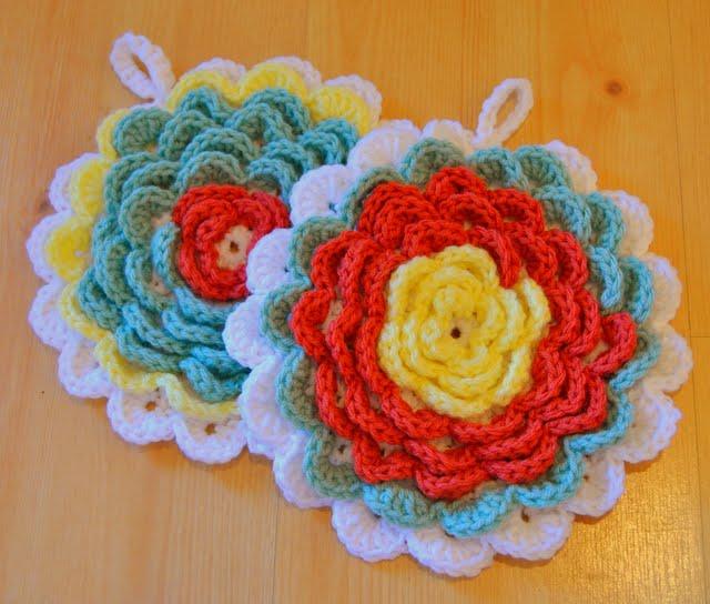 Crochet Flower Potholder Pattern : So Creative: Crochet Flower Potholders