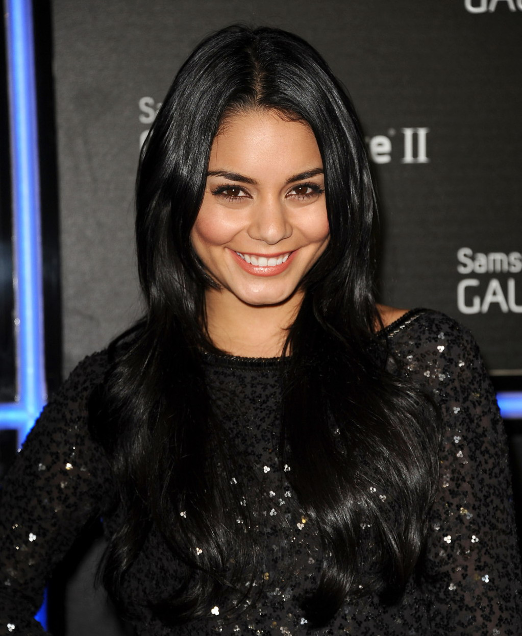 Vanessa Hudgens Black Out Lattouf Hair And Day Spa